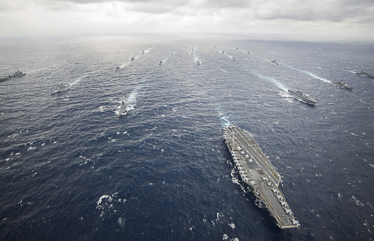 A USS George Washington vezette George Washington hordozócsoport a Filippínó-tengeren #moszkvater