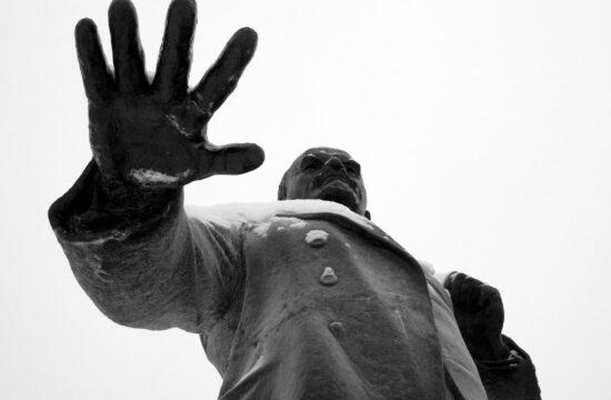 """""""Lenin az az ember volt, aki mindenki másnál jobban ki tudta zökkenteni az embereket megszokott életükből"""" #moszkvater"""