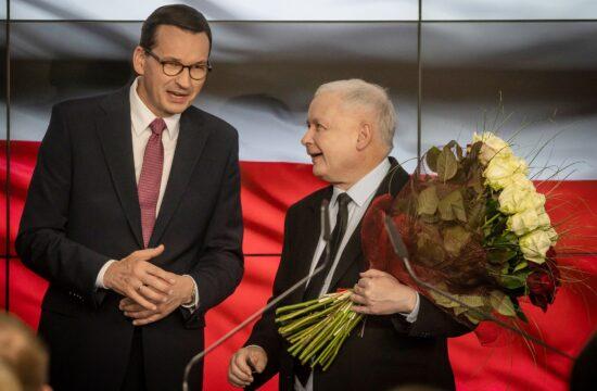 Mateusz Morawiecki és Jaroslaw Kaczynski egy PiS kongresszuson 2019-ben Varsóban #moszkvater