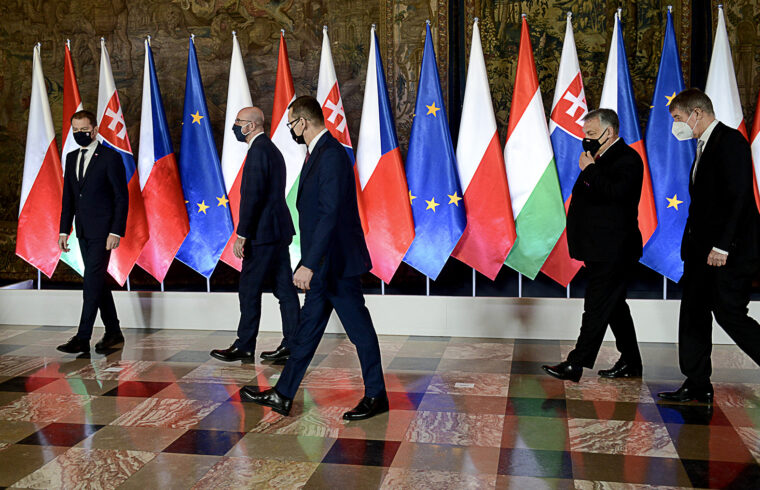 Az erős Közép-Európa motorja Orbán Viktor szerint egyértelműen a V4-ek lesznek #moszkvater