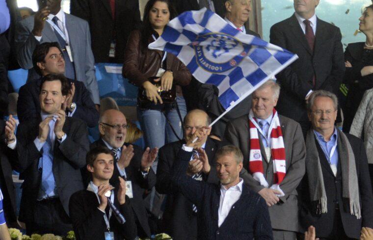 """""""Az angol sajtó által csak azaz a Vörös Romannak becézett Abramovics mindennél fontosabbnak tartotta azt, hogy a csapatát elismerjék"""""""