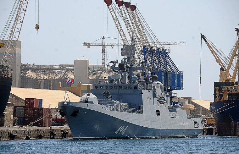 Az Admiral Grigorovics Port Szudán kikötőjében 2021. március 1-jén #moszkvater