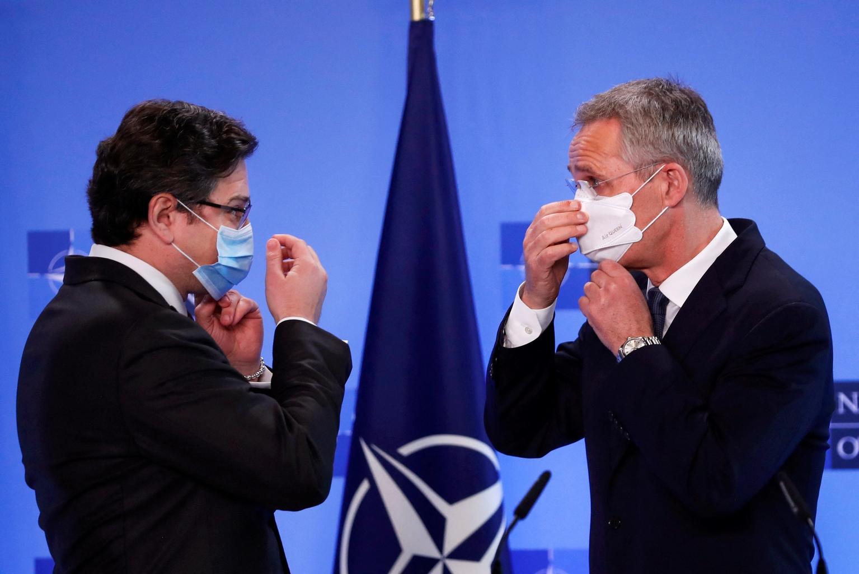 Dmitro Kuleba ukrán külügyminiszter és Jens Stoltenberg NATO főtitkár sajtótájékoztatója a brüsszeli tanácskozásuk után 2021. április 13-án #moszkvater