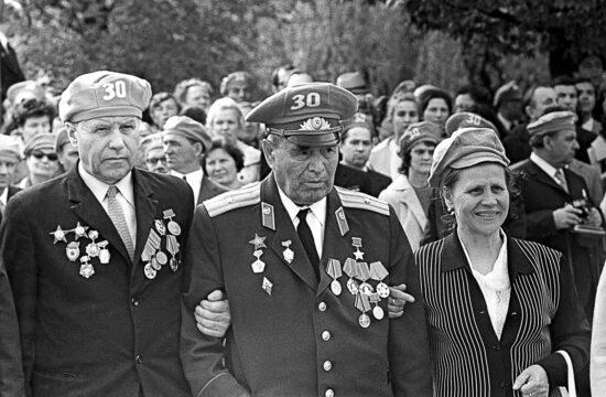 """""""Térjünk azonban vissza a breszti erőd hős védőjéhez, Gavrilov őrnagyhoz (a képen középen), akinek sorsa összefonódott egy orosz író, Szergej Szmirnov (1915-1976) pályafutásával"""" #moszkvater"""