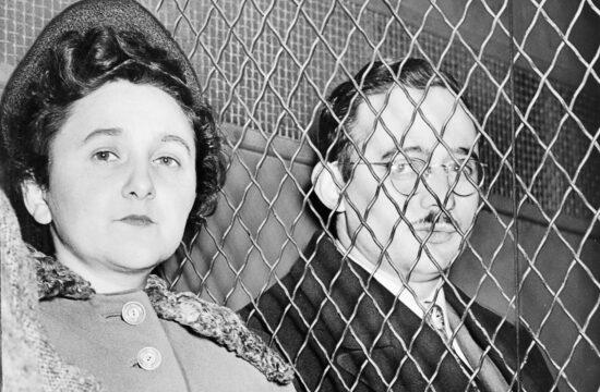 """""""Ma már tudni lehet, hogy a kommunista eszméket elfogadó, sőt a mozgalomhoz csatlakozó Julius Rosenberg valóban szovjet kém volt, míg felesége, Ethel viszont nem"""" #moszkvater"""