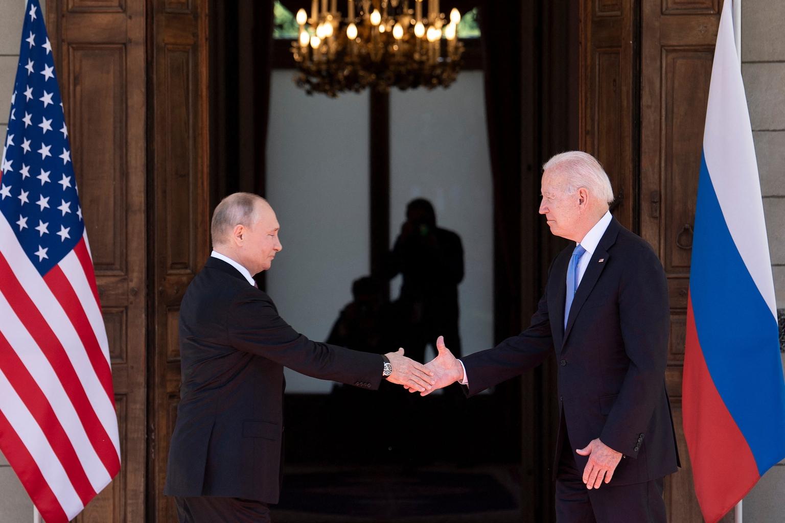 """""""egy hónappal ezelőtt Joe Biden és Putyin találkozója volt a középpontban, amelyre a világpolitikai helyzet alakulását meghatározó eseményként tekintett mindenki"""" #moszkvater"""