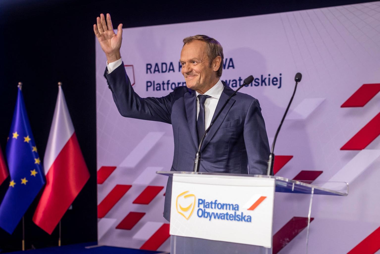 """""""Tusk szerint a PO nélkül nem lehet legyőzni a PiS-t, ezért a pártnak vissza kell szereznie az önbizalmát, a jövőbeli választási győzelembe vetett hitét"""" #moszkvater"""