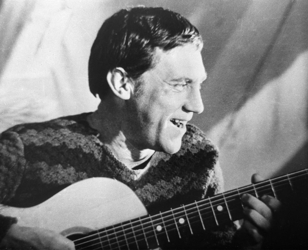 """""""Nyugodt szívvel mondhatjuk ki, hogy Viszockij máig aktuális életműve, a költő halálát követően mintegy negyven évvel szintet lépett"""" #moszkvater"""