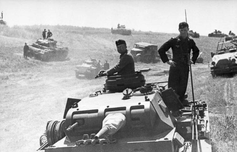 """""""A brodi csata jelentőségét azonban elsősorban az adja, hogy ez volt az a frontszakasz, amelynek az áttörése különösen fontos lett volna a németek számára, hiszen a végső cél délen a bakui olajmezők elérése lett volna"""" #moszkvater"""