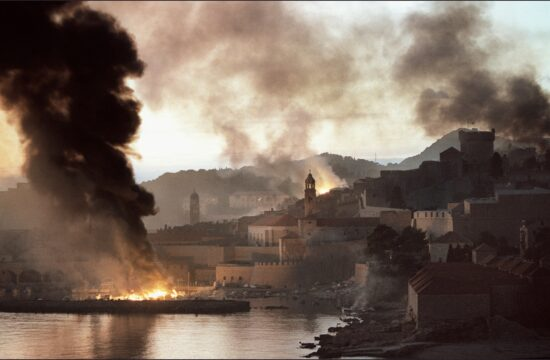 Füst és lángok borítják Dubrovnikot 1991 novemberében #moszkvater