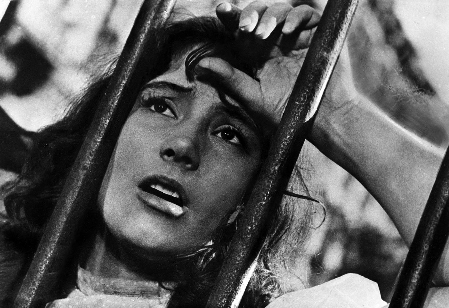 Veronika (Tatyjana Szamojlova) – részlet a Szállnak a darvak című filmből #moszkvater