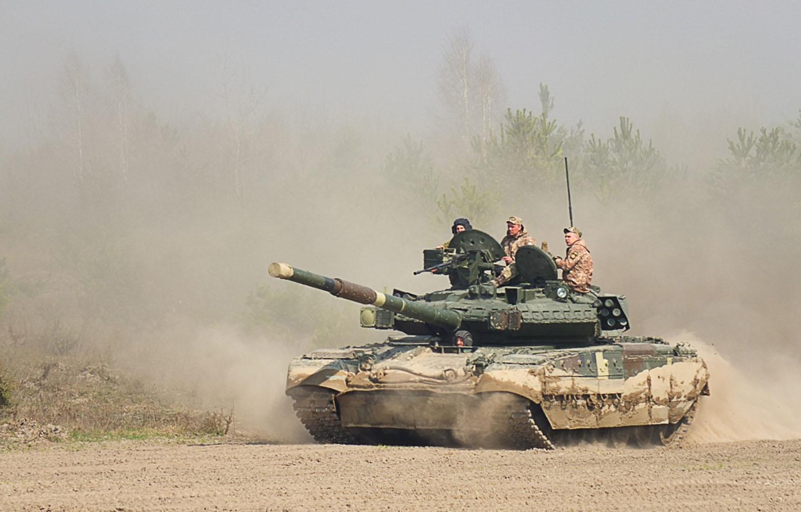 """""""Ugyanis az eredeti T-80UD-ből kiindulva a T-84, majd a T-84U-n át az evolúció csúcsát jelentő BM Oplotból 2009 óta mindössze egy szem áll hadrendben egész Ukrajnában"""" #moszkvater"""