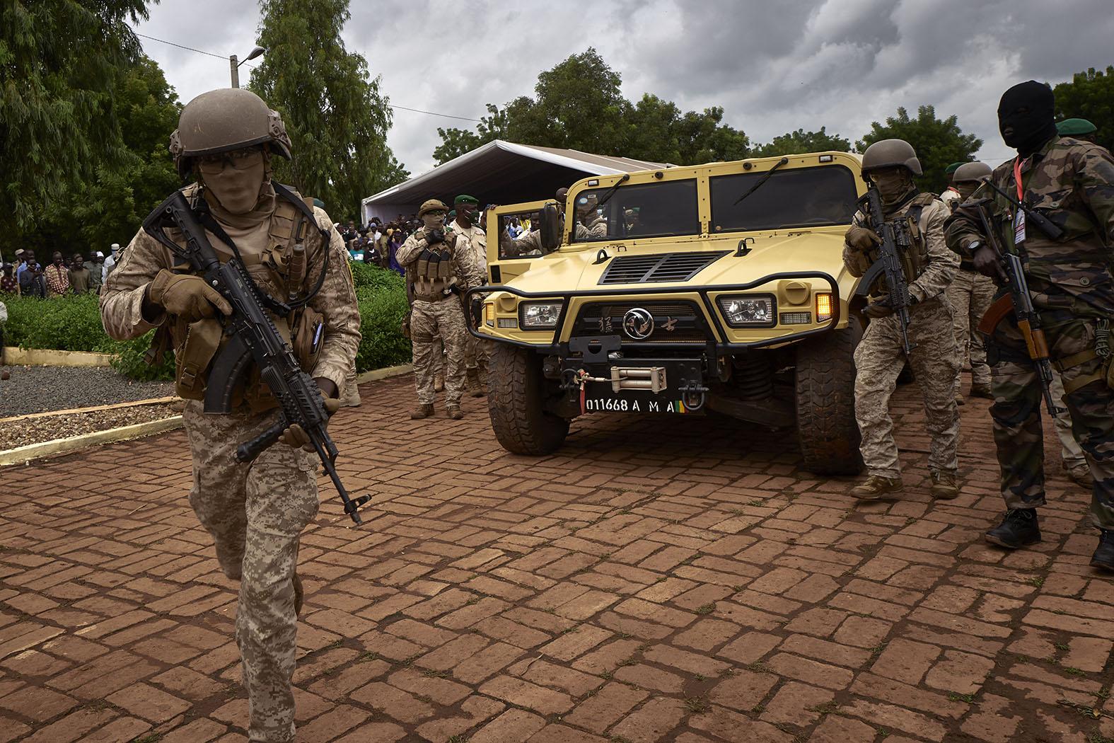 """""""Sőt, az elmúlt időszakban a hadi helyzet romlása volt tapasztalható, így nem meglepő, hogy a bamakói kormányzat az orosz katonai magánvállalat (PMC) segítségét kéri Moszkvával való kapcsolatának szorosabbra fonása mellett"""" #moszkvater"""