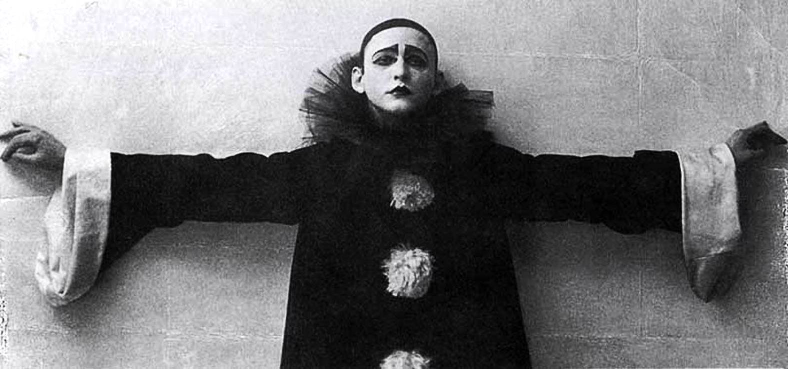 """""""Alekszandr Vertyinszkij 1915-ben lép fel eredeti programjával a """"Piero dalai""""-val"""" #moszkvater"""