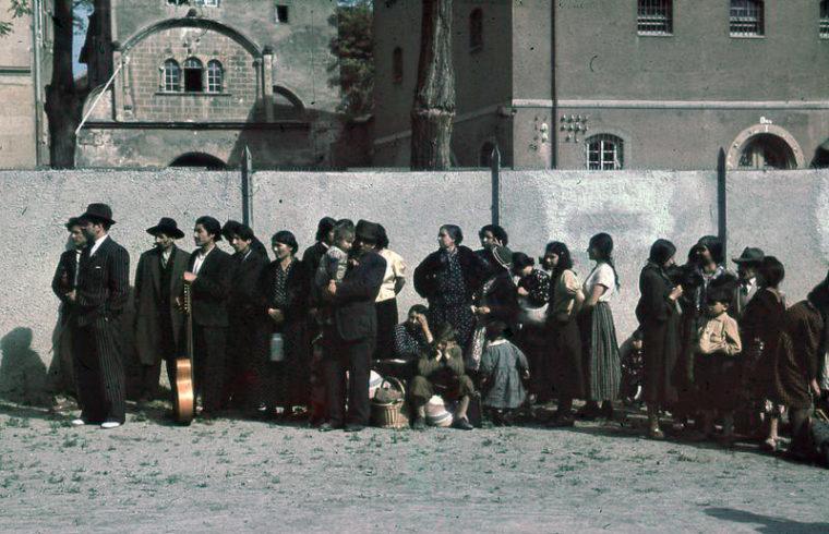 Romák deportálás előtt a németországi Aspergben 1940. május 22-én Fotó:Wikipédia/Bundesarchiv #moszkvater