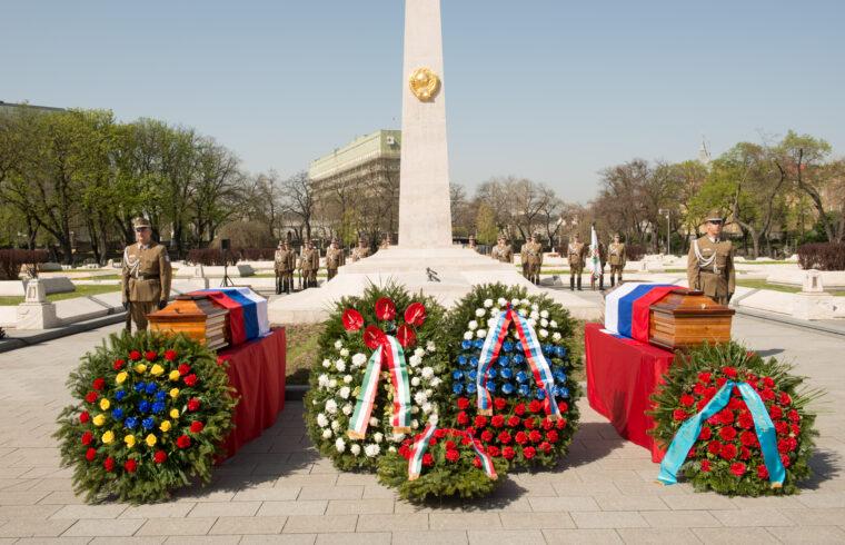 Szovjet katonák földi maradványainak temetése a Kerepesi temetőben 2018-ban #moszkvater