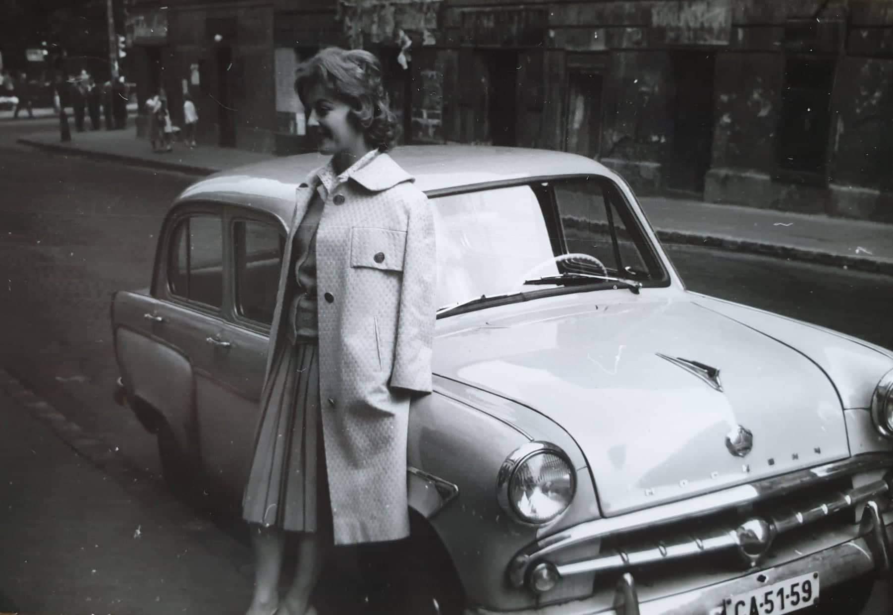 Sárosi Katalin a Szovjetunióban vásárolt Moszkviccsal #moszkvater