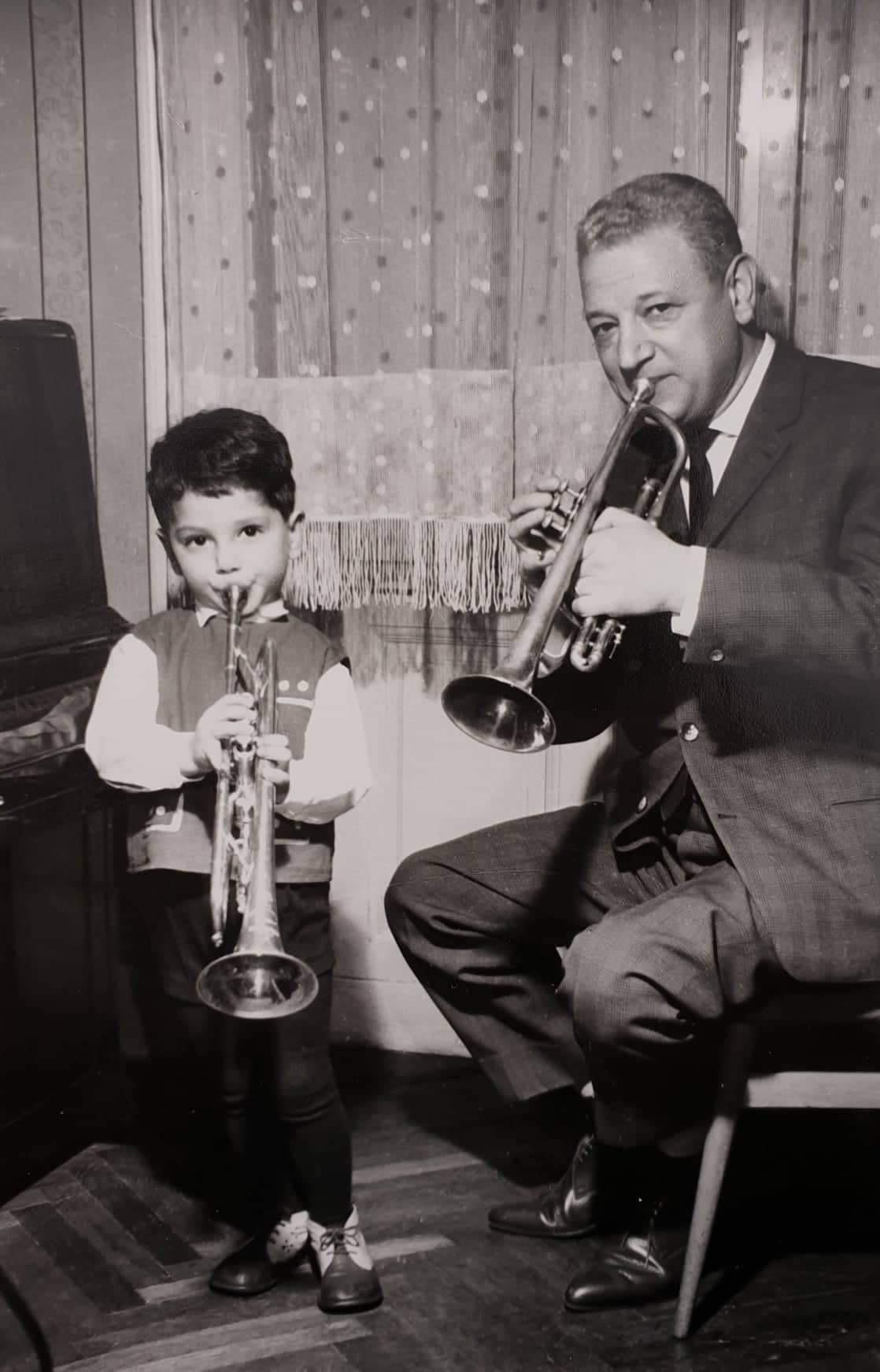 Apa és fia együtt zenél #moszkvater