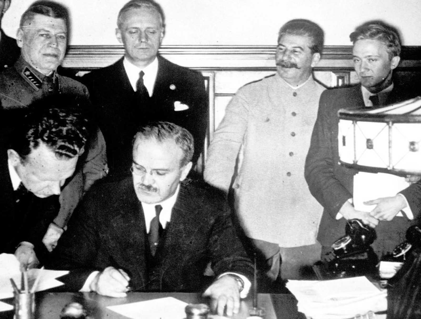 A Molotov-Ribbentrop paktum aláírása 1939. szeptember 1-én #moszkvater