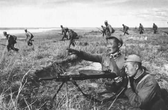 """""""Ahalhin-goli csata(1939.május 11.– szeptember 16.) a kölcsönös bizalmatlanság és a másik elrettentése miatti erődemostráció eredménye volt"""" #moszkvater"""