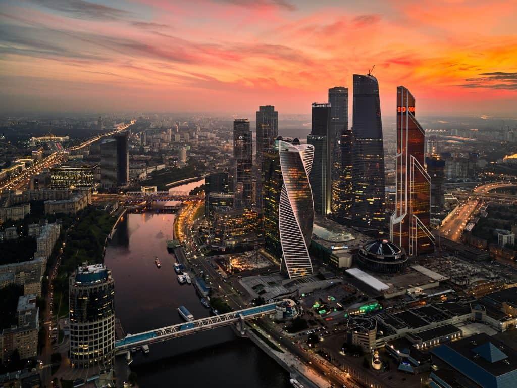 Eget ostromló épületeivel új Manhattanként emelkedik a város fölé Moszkva City