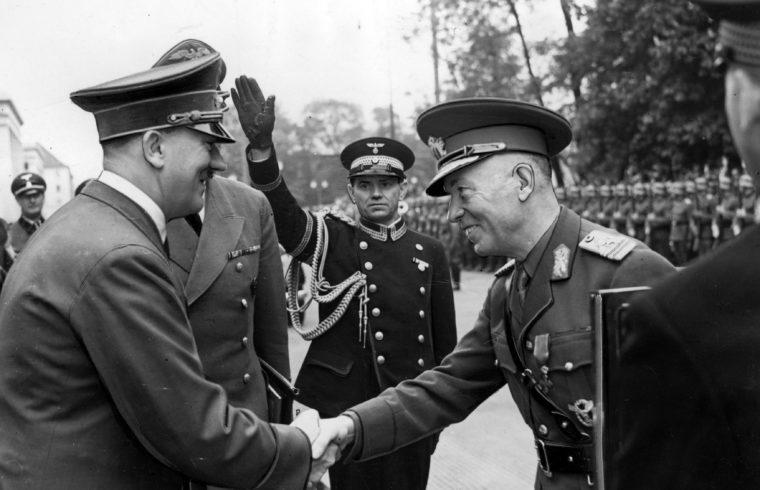 Adolf Hitler üdvözli Ion Antonescut Münchenbe érkezésekor #moszkvater