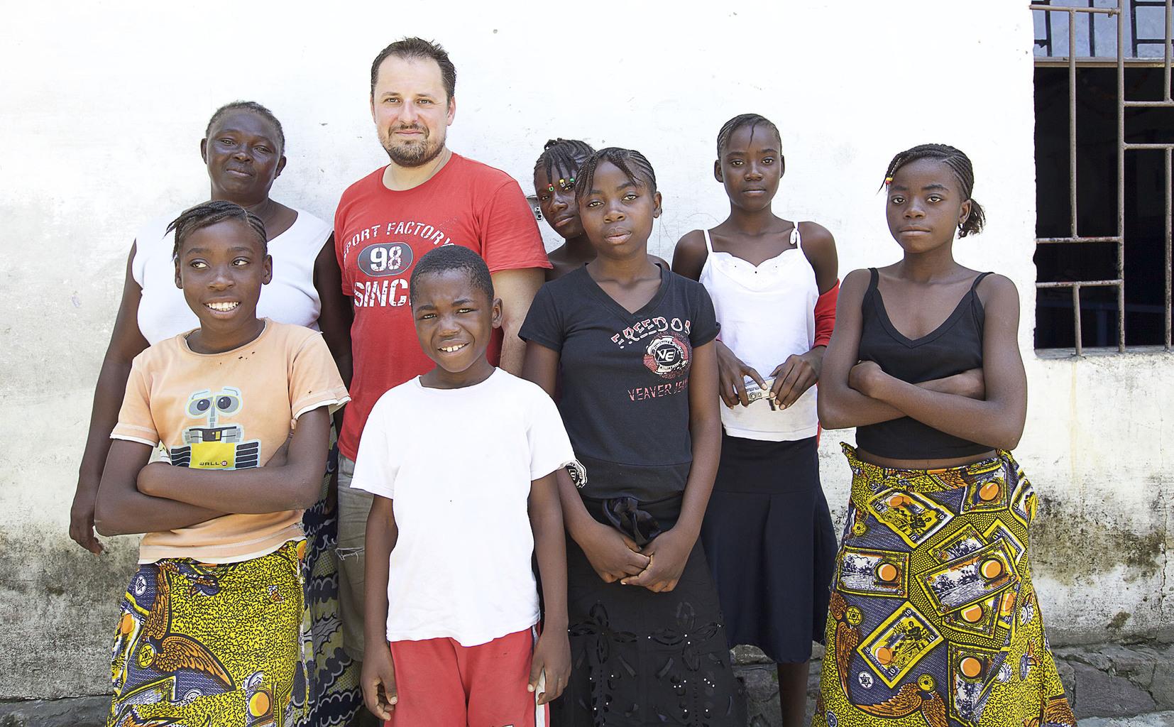arrósy István Kongóban az Afrikáért Alapítvány árvaháza és iskolája, ahol a önkéntes munkát végzett #moszkvater