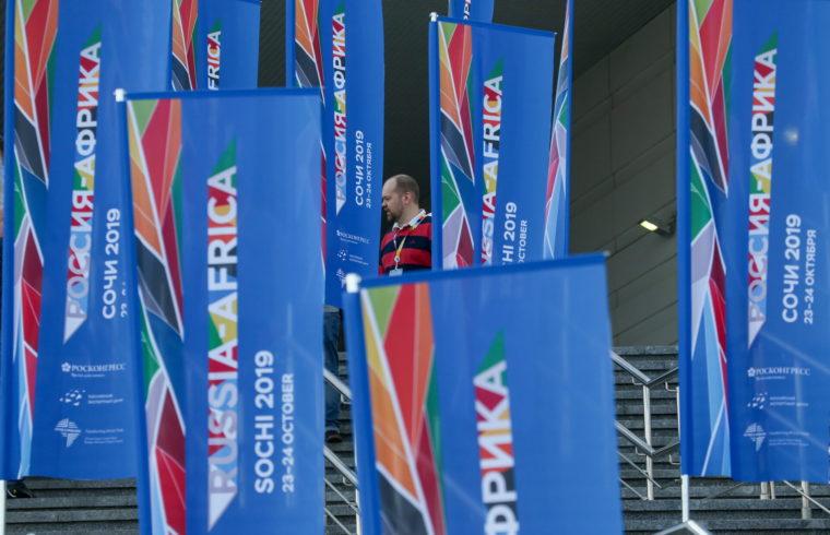 Oroszország-Afrika csúcstalálkozó kezdődött Szocsiban, ahová a fekete kontinens 43 vezetőjét és több mint háromezer üzletembert vártak #moszkvater