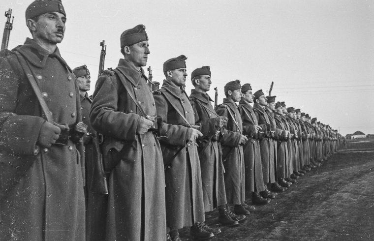 """""""E történelmi amnéziában az sem igen merül fel, hogy mit kerestek a magyar katonák kétezer kilométerre a hazától a Don-kanyarban"""" #moszkvater"""