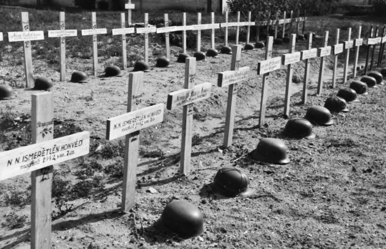 Magyar katonai temető az oroszországi Alekszejevkában, 1942-ben #moszkvater