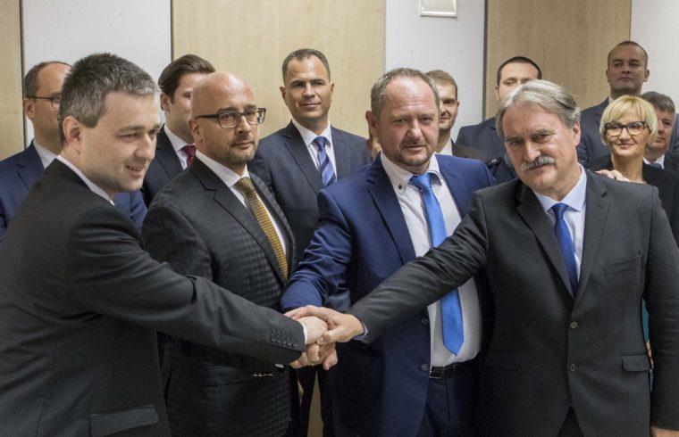 Előtérben a három pártelnök és Bárdos Gyula #moszkvater
