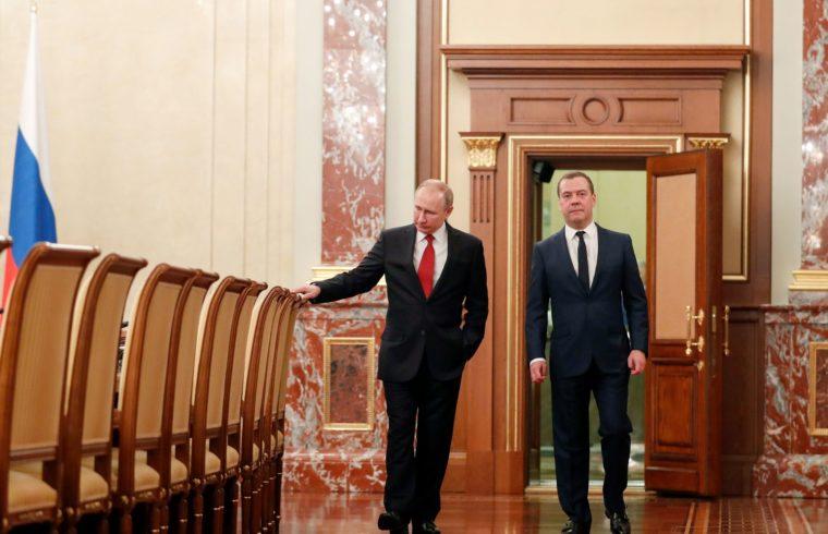 Vlagyimir Putyiun és Dimitrij Medvegyev a Kremlben, egy megbeszélésük után 2020. március 15-én #moszkvater