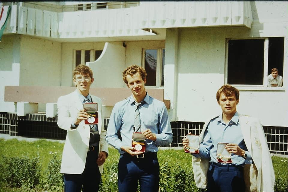 Vermes Albán, Wladár Sándor és Verrasztó Zoltán érmeikkel a moszkvai olimpiai faluban 1980-ban #moszkvater